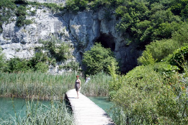 Vor der Winnetouhöhle, Nationalpark Plitvice